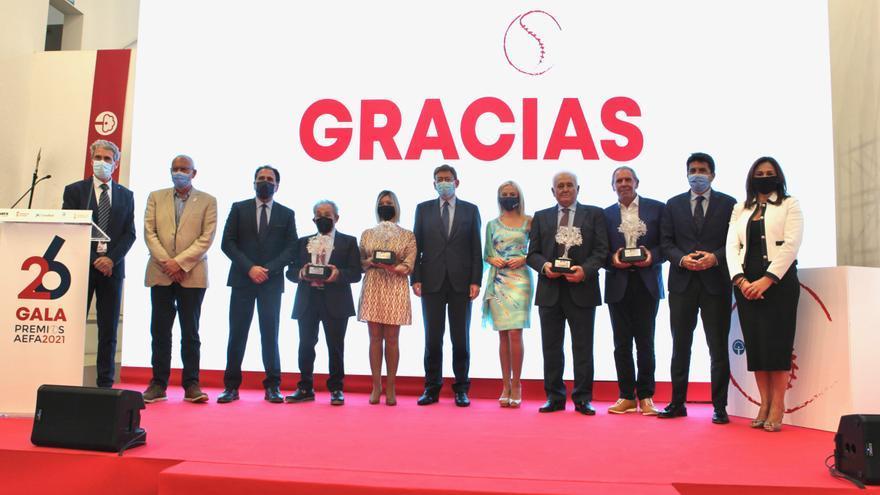 Reconociendo la labor de la empresa familiar de la provincia de Alicante