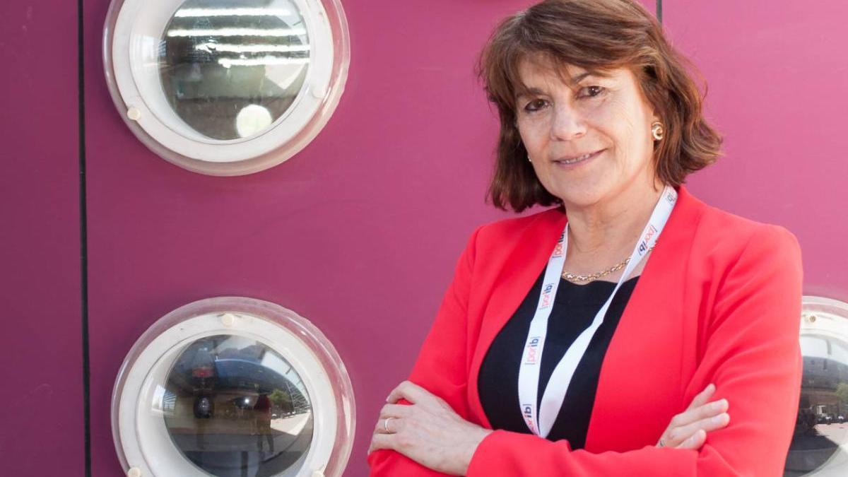 Beatriz González participa en un seminario online sobre el futuro sistema de salud tras la crisis del Covid-19.