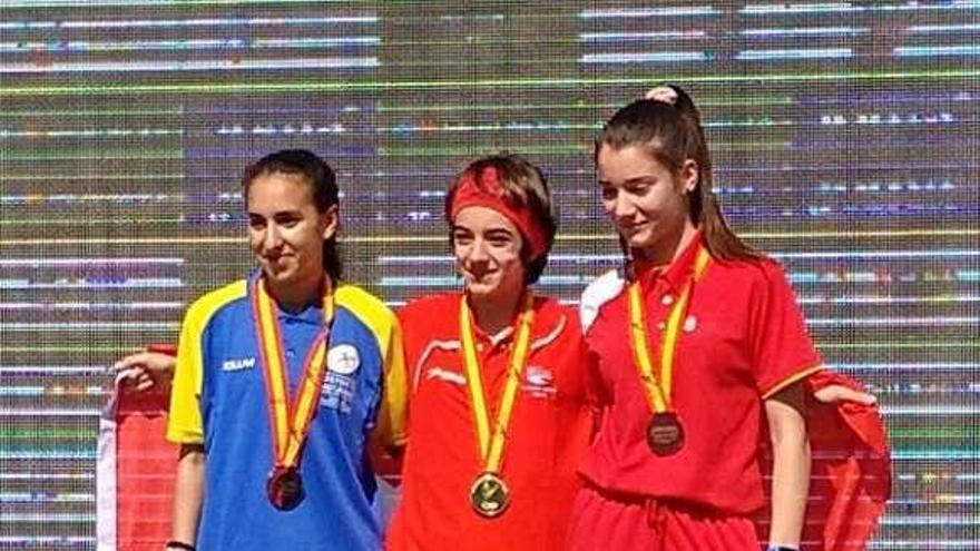 Inés Álvarez, oro en lanzamiento de peso en el Nacional junior