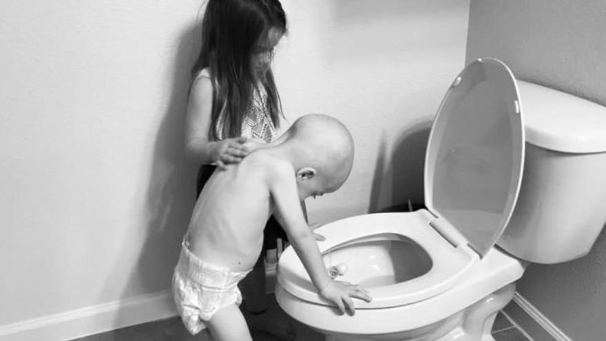 La imatge que explica el dur dia a dia del càncer infantil
