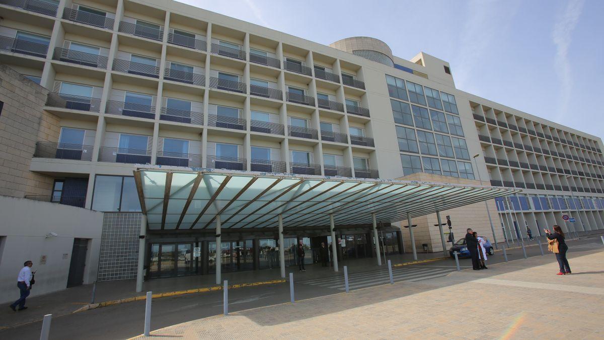 Una imagen de archivo del Hospital de La Ribera.