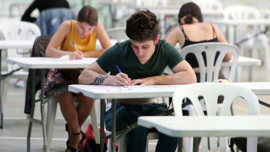 Cuenta atrás para que miles de estudiantes gallegos conozcan las notas de la selectividad