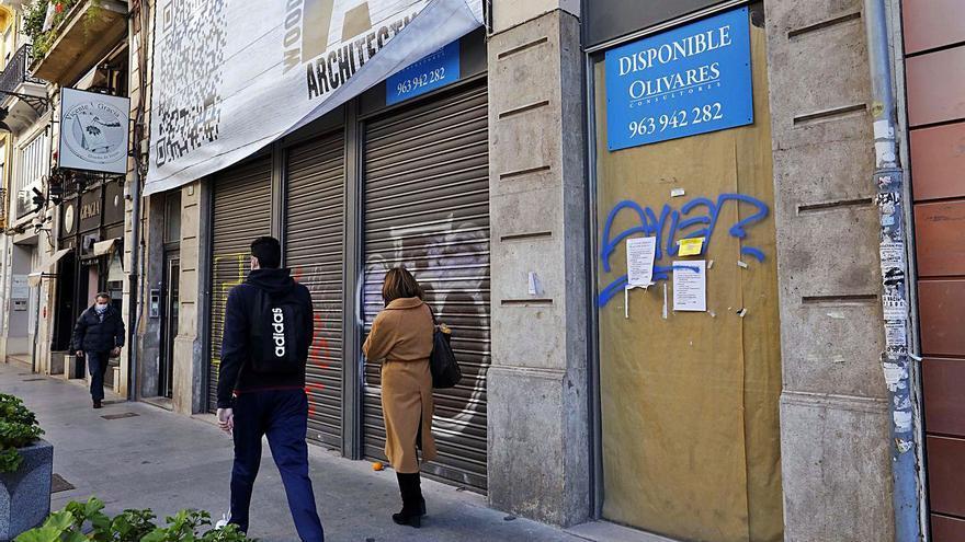 Economía lanza su hoja de ruta para frenar la sangría en el comercio valenciano