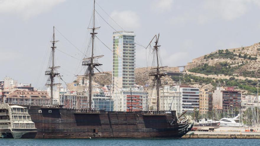 """Alicante se desprenderá de la """"réplica"""" del Santísima Trinidad por 25.000 euros"""