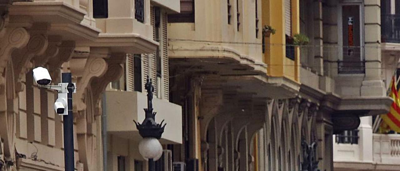 Una de las cámaras está instalada en la Av. María Cristina. | M.A.MONTESINOS