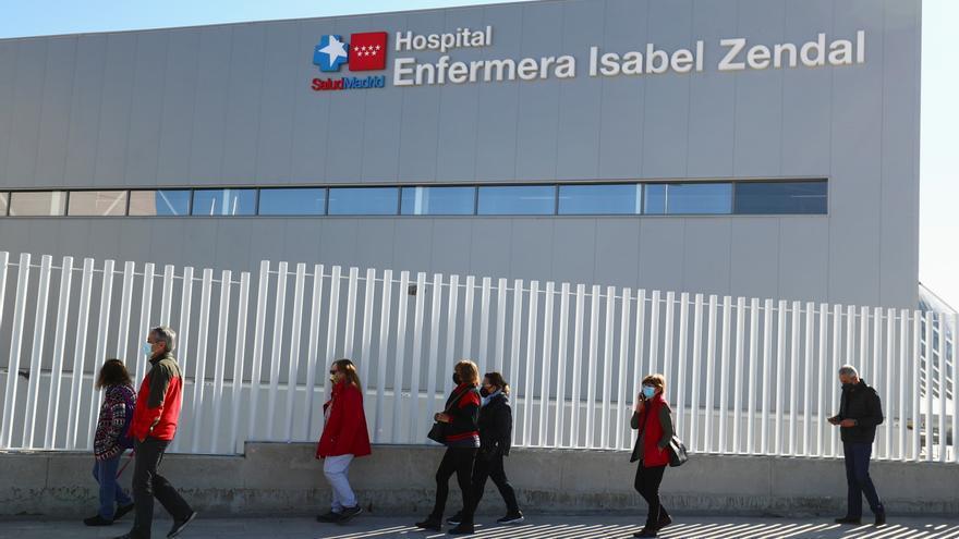 Más Madrid denuncia al hospital Zendal por colgar carteles en favor de Ayuso