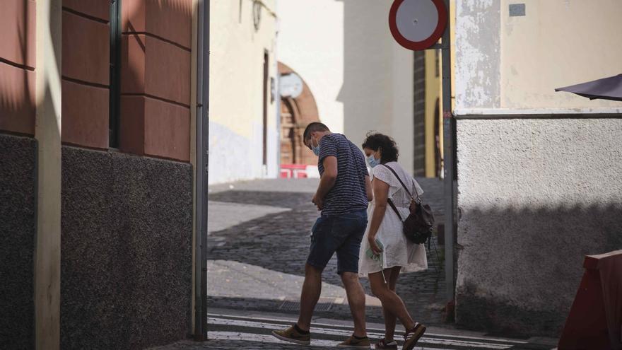 Canarias cierra la semana con un fallecido y 68 casos Covid
