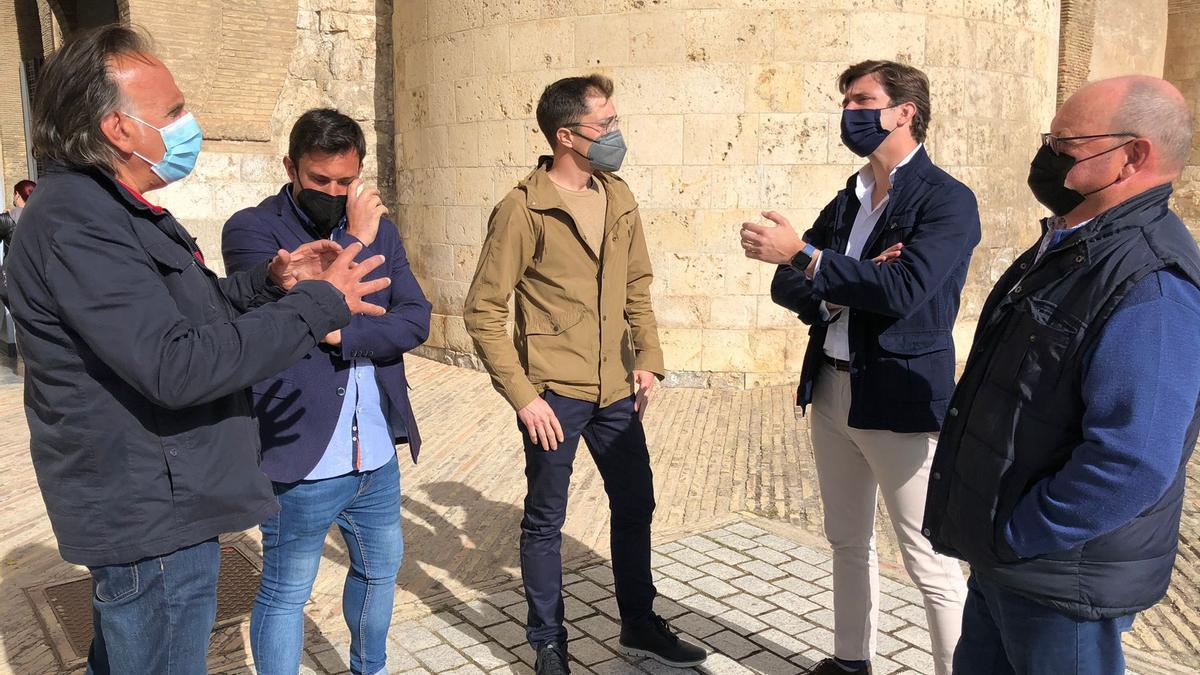 El portavoz de Agricultura del PP, Ramón Celma, se reunió ayer con agricultores de Valdejalón para pedir que Ribera recurriera la sentencia.