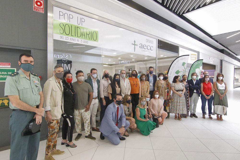 La tienda solidaria de la Asociación Española Contra el Cáncer en Córdoba
