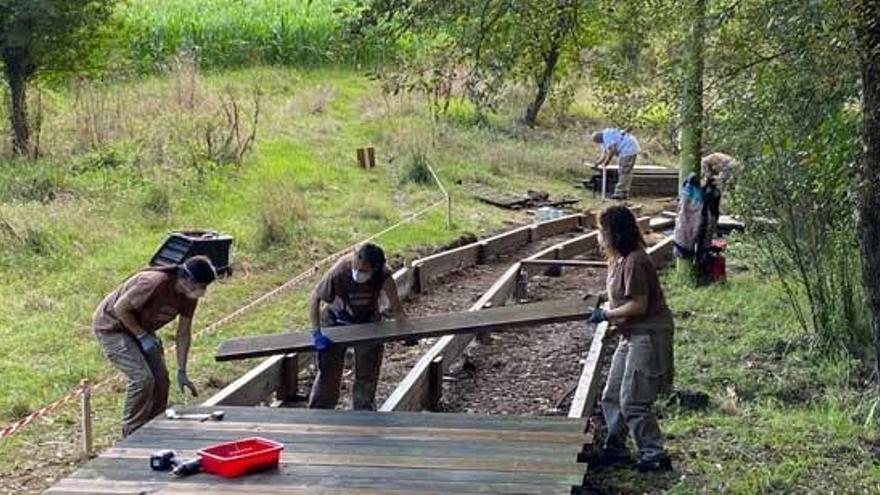 Un taller de empleo larachés repara el paseo del Anllóns