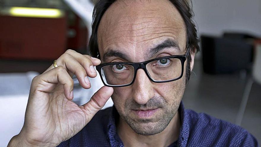 Agustín Fernández Mallo: «Escalar es como dibujar con el cuerpo sobre una pared»