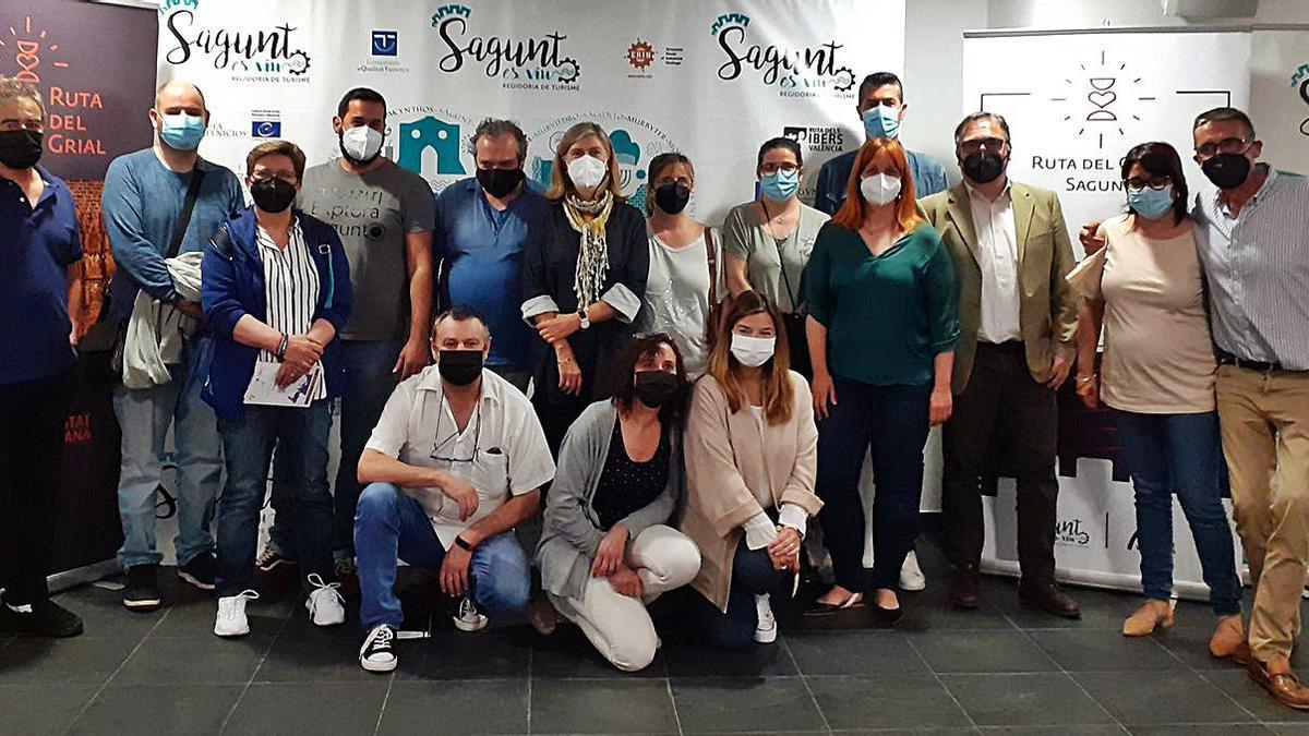 Participantes en la reunión mantenida en Sagunt. | LEVANTE-EMV