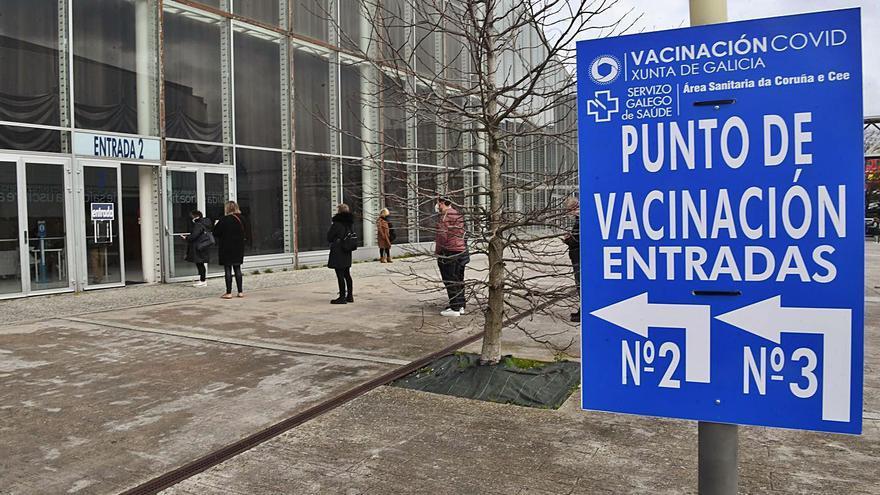 Galicia es la segunda comunidad con mayor tasa de población que ya tiene la pauta completa de la vacuna contra el coronavirus