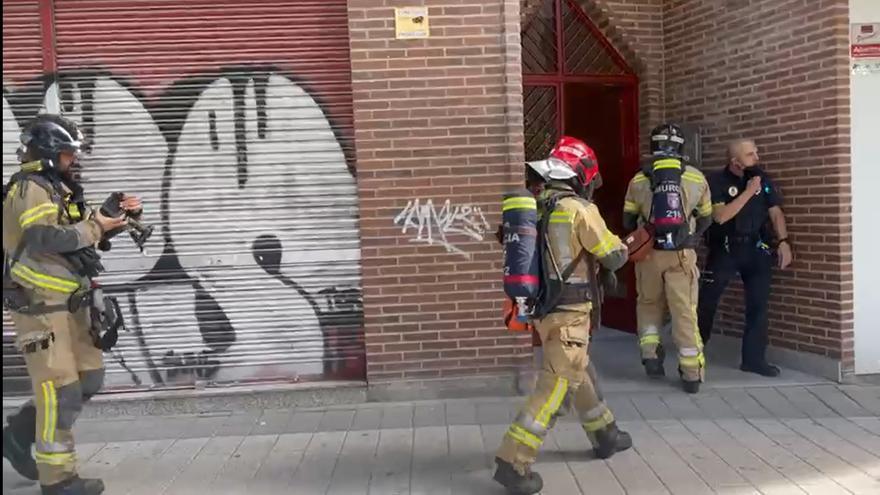 Desalojan un edificio tras explotar un calentador en Murcia