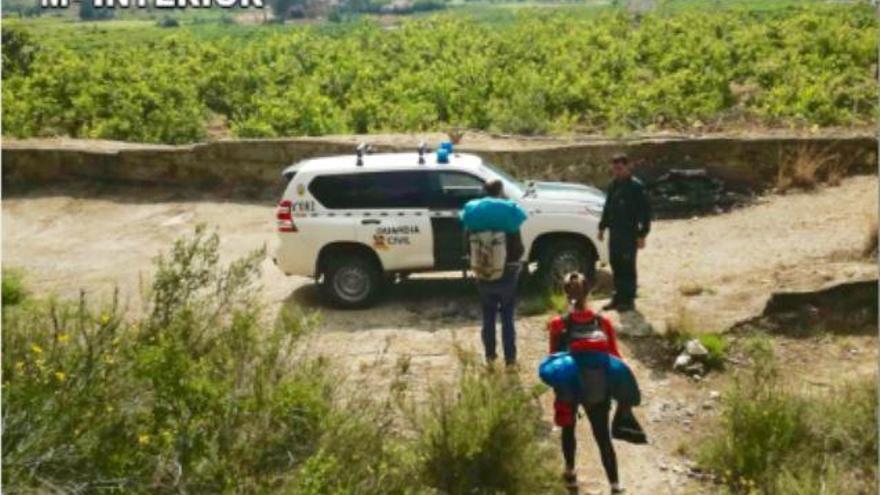 Denunciados cuatro escaladores que hacían montañismo en Gandia