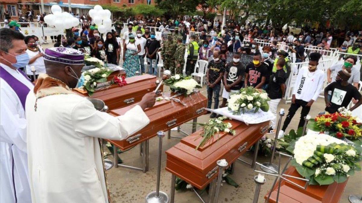 Los asesinatos masivos retumban en Colombia en medio de la pandemia