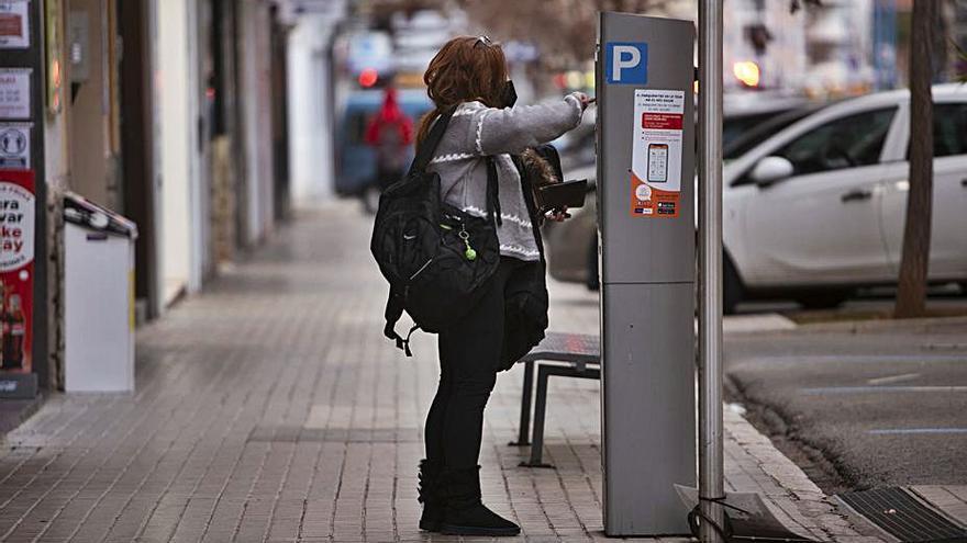 La ORA de Xàtiva se pagará hasta las 18 h para adaptarla al horario del comercio