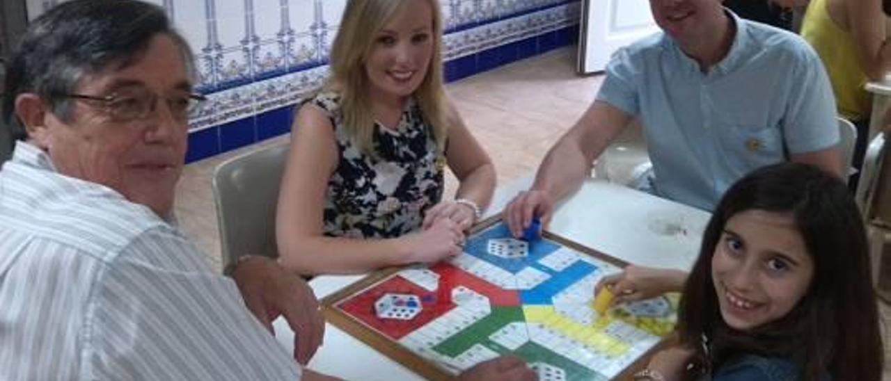 Las fallas inician los torneos de juegos de mesa en los casales
