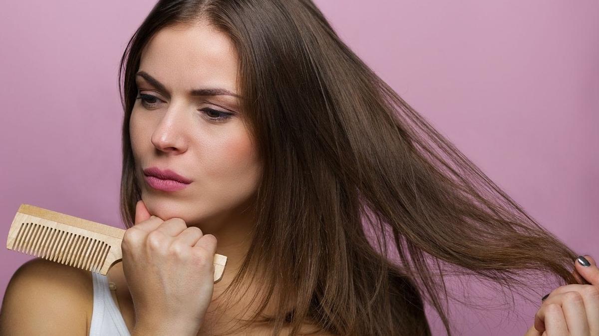 Sigue estos tips para evitar la caída estacional del pelo.