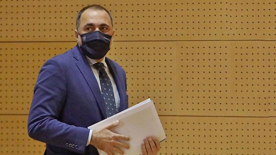 El conselleiro de Sanidade, Julio García Comesaña. // XOÁN ÁLVAREZ