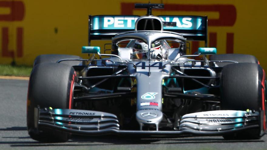 Hamilton domina en la primera toma de contacto del Mundial