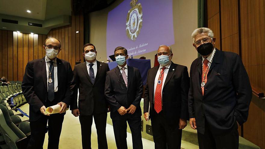 """El doctor Santiago Llorente: """"No distingo entre Medicina pública y privada, solo la buena de la mala"""""""