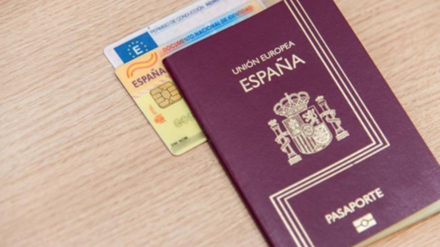 Detenido un hombre por usar un carnet y pasaporte falsos en un control policial