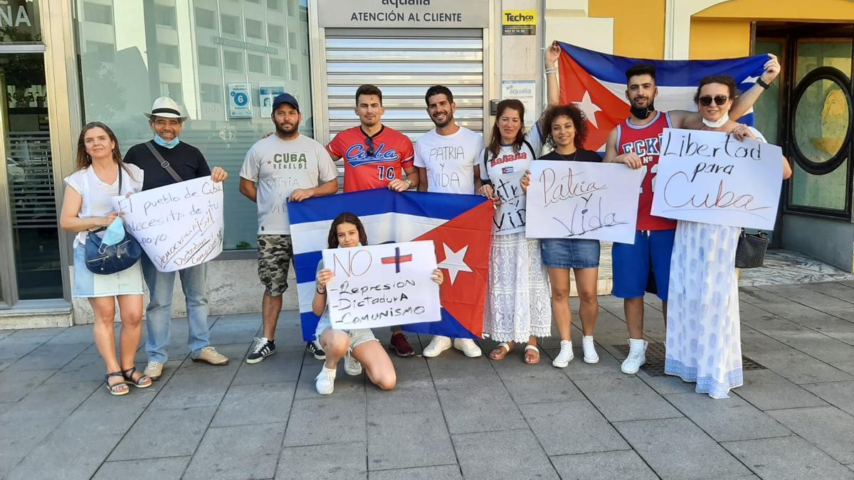 Una concentración de ciudadanos cubanos en Badajoz