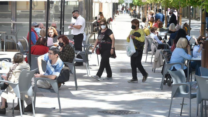 Los bares de Andalucía podrán abrir hasta la medianoche desde el domingo