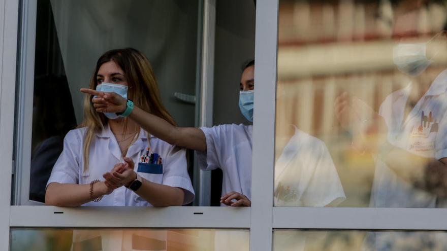 Sanitarios en un hospital de Madrid.