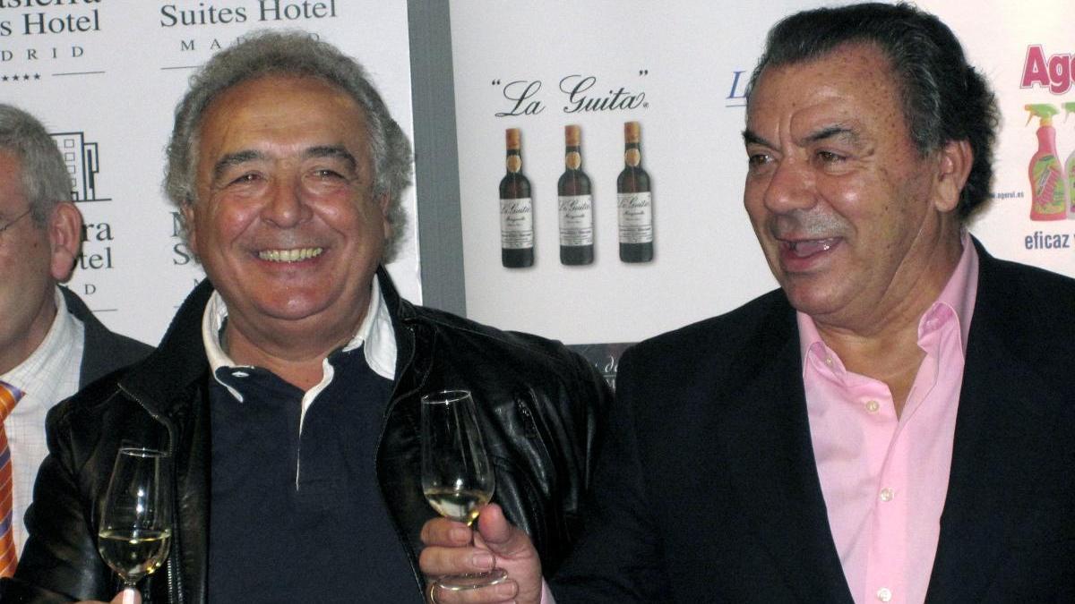Una imagen de archivo del dúo sevillano Los del Río, Antonio Romero (i) y Rafael Ruiz.