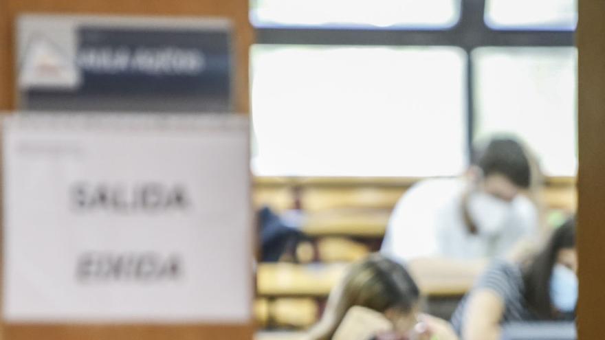 Torrevieja dedica 786.000 euros en ayudas a universitarios para sufragar gastos de matrícula, desplazamientos y libros
