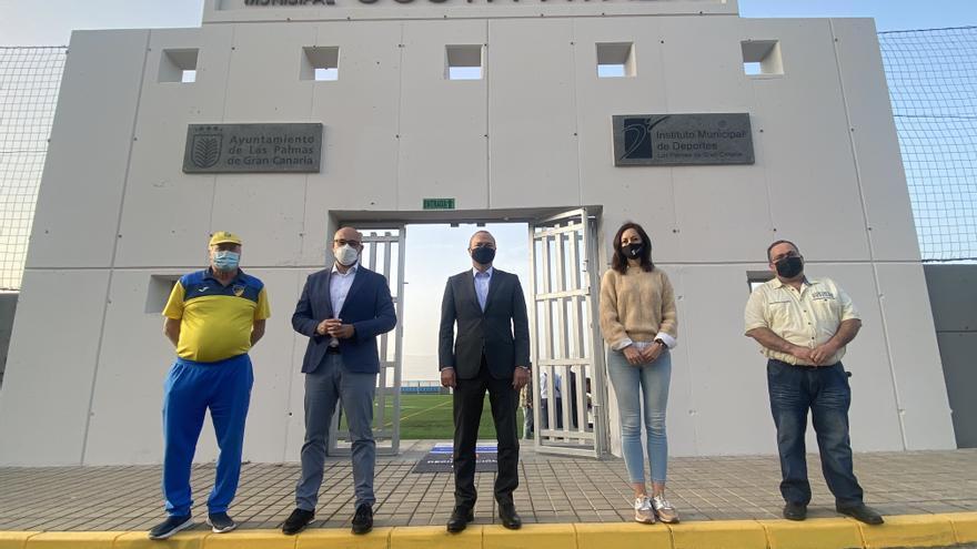 Deportes finaliza la remodelación integral del campo de fútbol de Costa Ayala