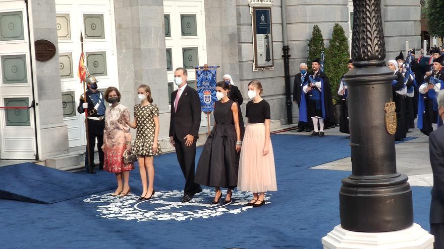 Así fue la llegada de la Familia Real al Campoamor
