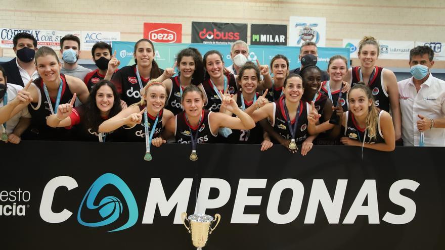 El Dobuss Córdoba hace realidad su sueño de ascender a la Liga Femenina 2