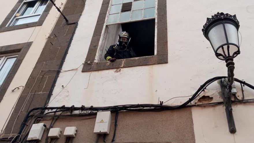 Conato de incendio en una casa en la calle Malteses