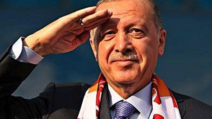 El president turc amenaça d'«esclafar els caps» de les milícies kurdes si no abandonen la zona segura