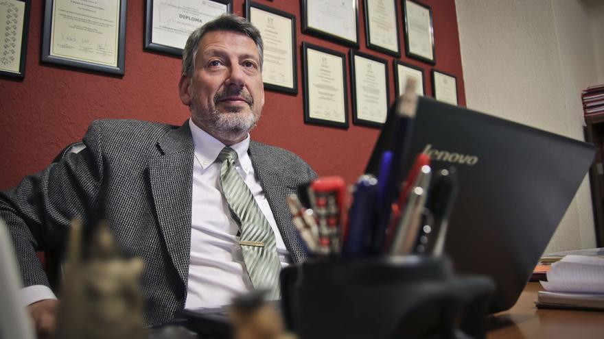 Ricardo de la Encarnación Albero, reelegido sin oposición decano del Colegio de Abogados de Alcoy