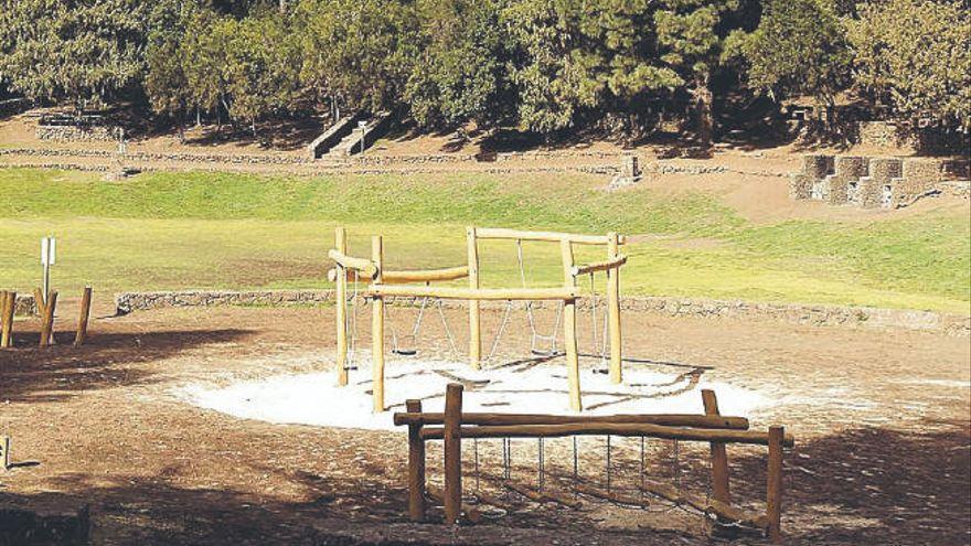 La Palma cierra áreas recreativas y suspende la caza por el riesgo de incendio