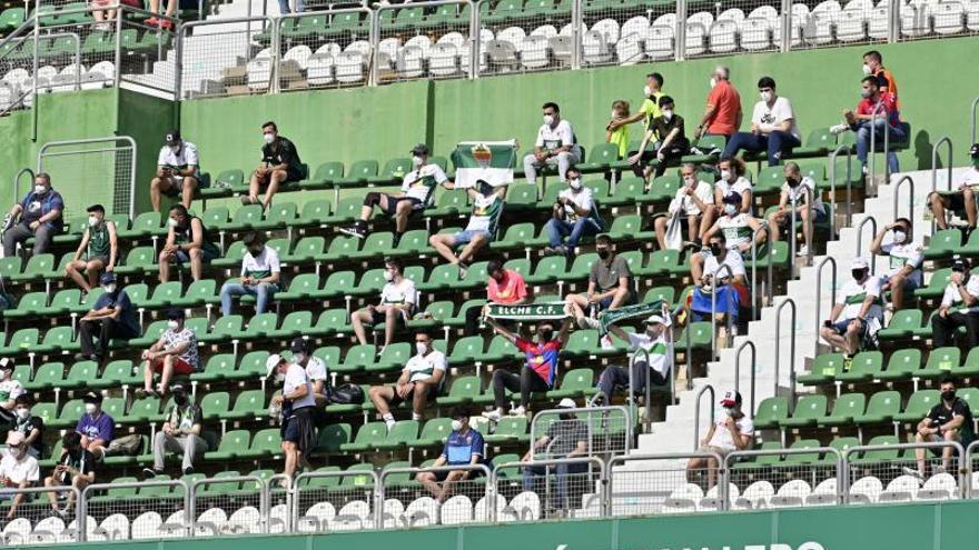 El Martínez Valero podría acoger a 13.500 aficionados en el inicio de LaLiga tras el acuerdo de Sanidad