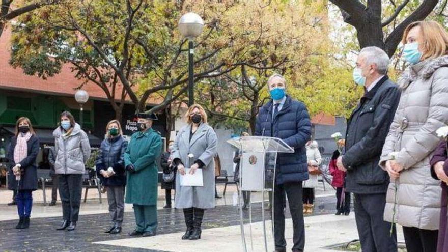 Zaragoza recuerda a las víctimas del atentado de ETA en la casa cuartel de la ciudad