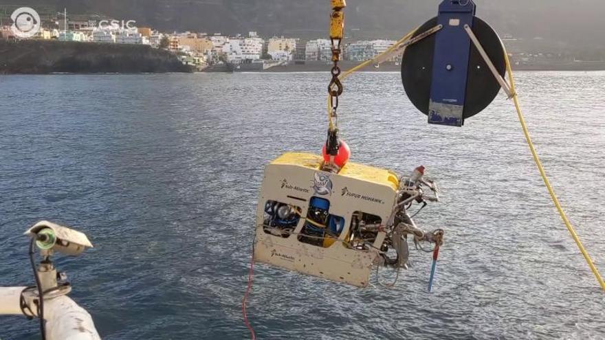 El 'Ángeles Alvariño' evita un nuevo retraso en la puesta en marcha de las desaladoras
