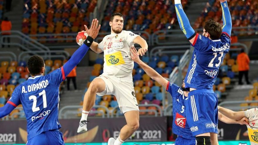 España doblega a Francia, se lleva el bronce en el Mundial y hace aún más grande al asturiano Entrerríos