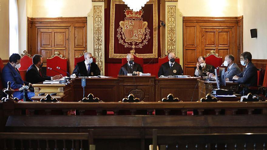 Crimen de La Felguera: La Fiscalía pide que las escuchas y la localización de los móviles sean pruebas en el juicio