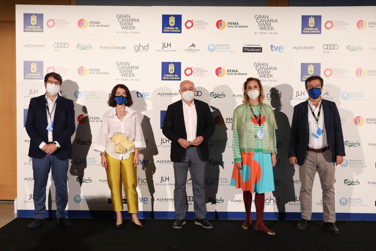 Ruiz de la Prada, colofón de oro de la Semana de Moda Baño de Gran Canaria
