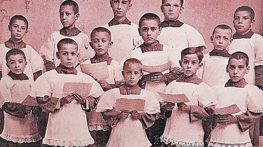 75 años de 'bons dies' en el colegio Fra Joan Ballester