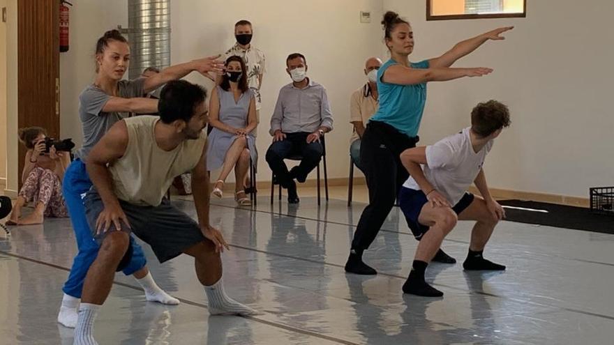 """L'Escorxador acoge los ensayos de """"La Mort i la Donzella"""", dirigida por la ilicitana Asun Noales"""