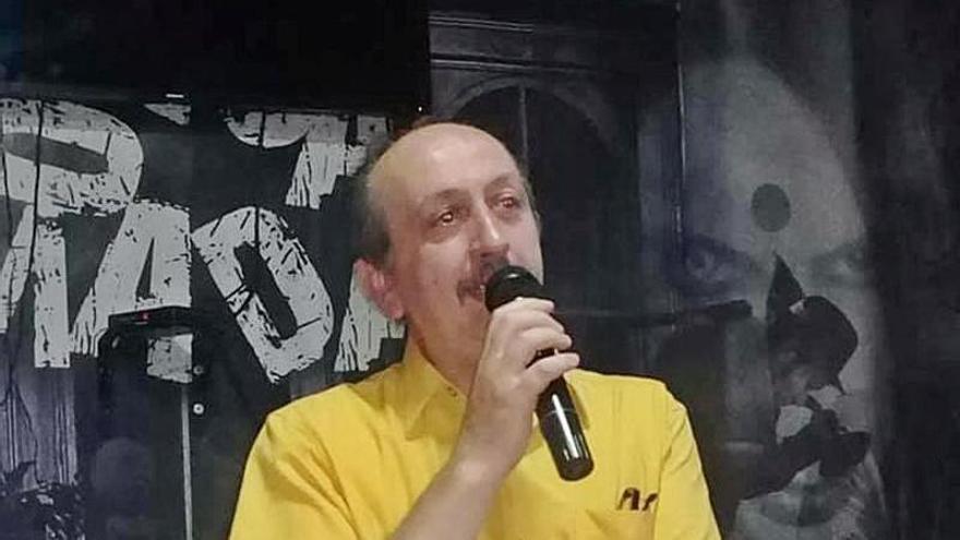 """""""Por el camín de Nayundes"""", poemas de un tapiego desde Argentina"""