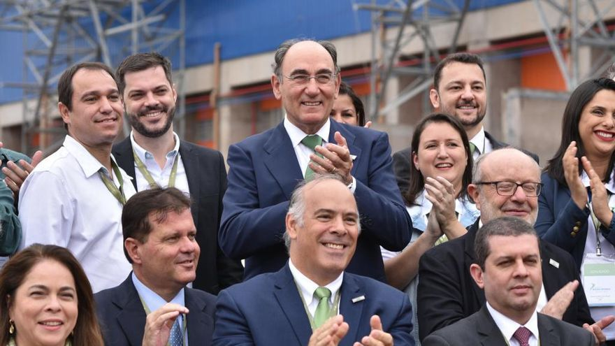 Ignacio Galán, presidente de Iberdrola, celebra la salida a Bolsa de Neoenergía.