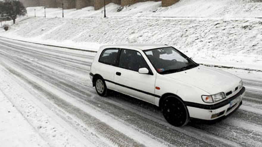Trucos para controlar el coche durante un viaje en invierno